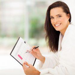 Para calcular o seu período fértil, é essencial que você conheça as fases do ciclo menstrual